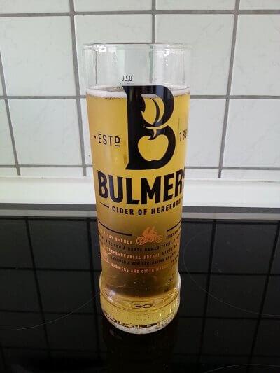 Bulmers im Glas